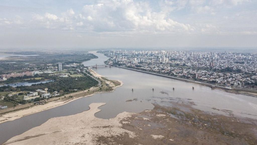 El río Paraná bajó 7 centímetros en el puerto de Santa Fe y llegó a su menor marca en 52 años