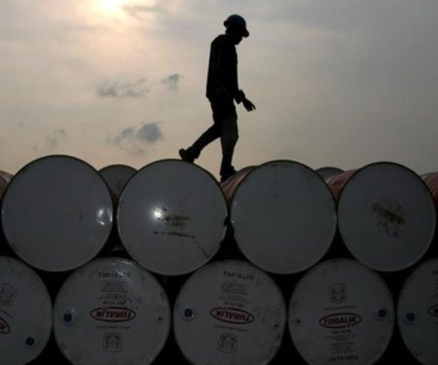 La producción petrolera sufrió una leve baja en junio, excepto en Vaca Muerta