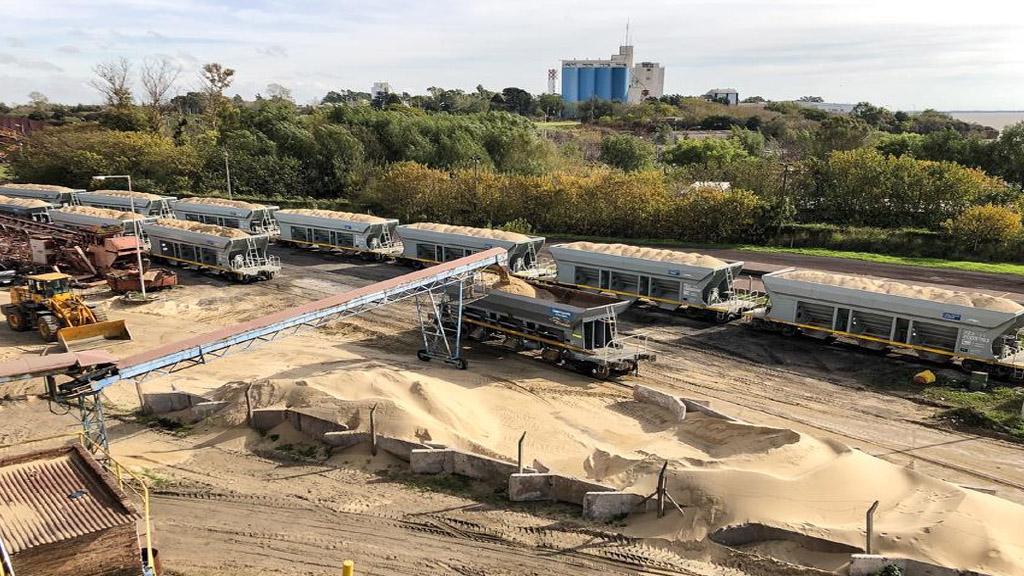 Trenes Argentinos Cargas suma despachos de arena hacia Vaca Muerta por Mendoza