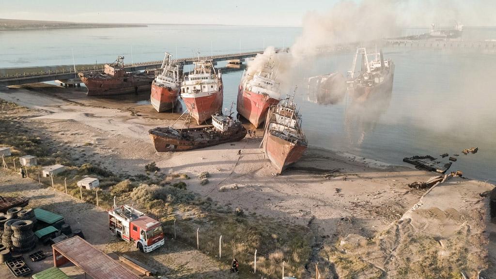 Puerto Madryn: principio de incendio en el pesquero Cabo Buena Esperanza