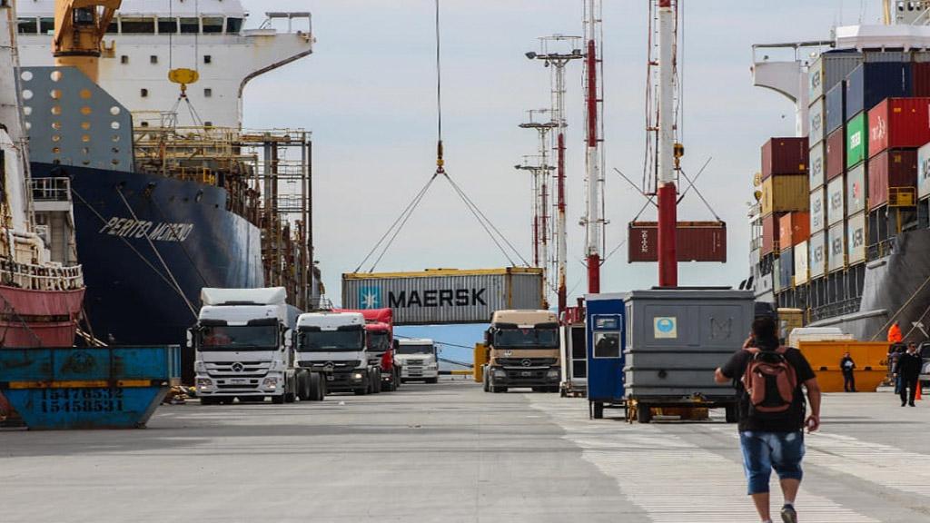 Logística marítima en la industria promovida de Tierra del Fuego y AeIAS