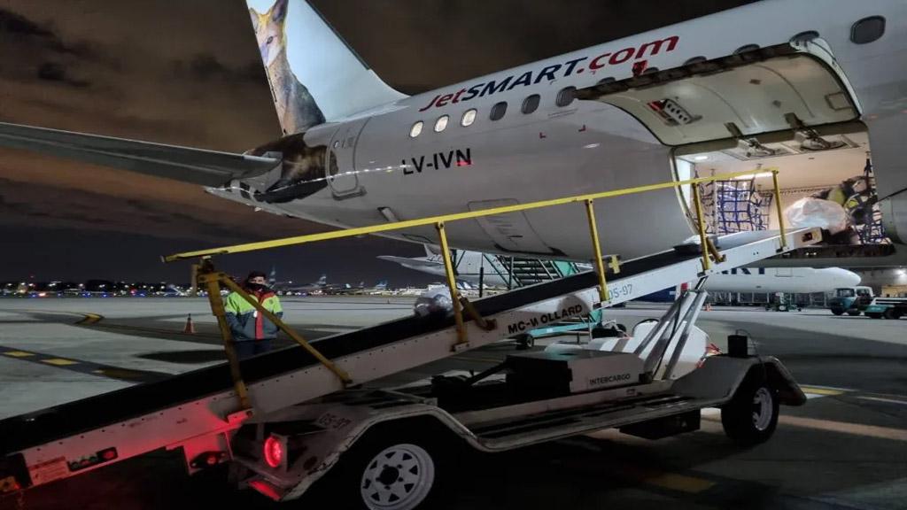 JetSmart inició sus vuelos de carga en Argentina
