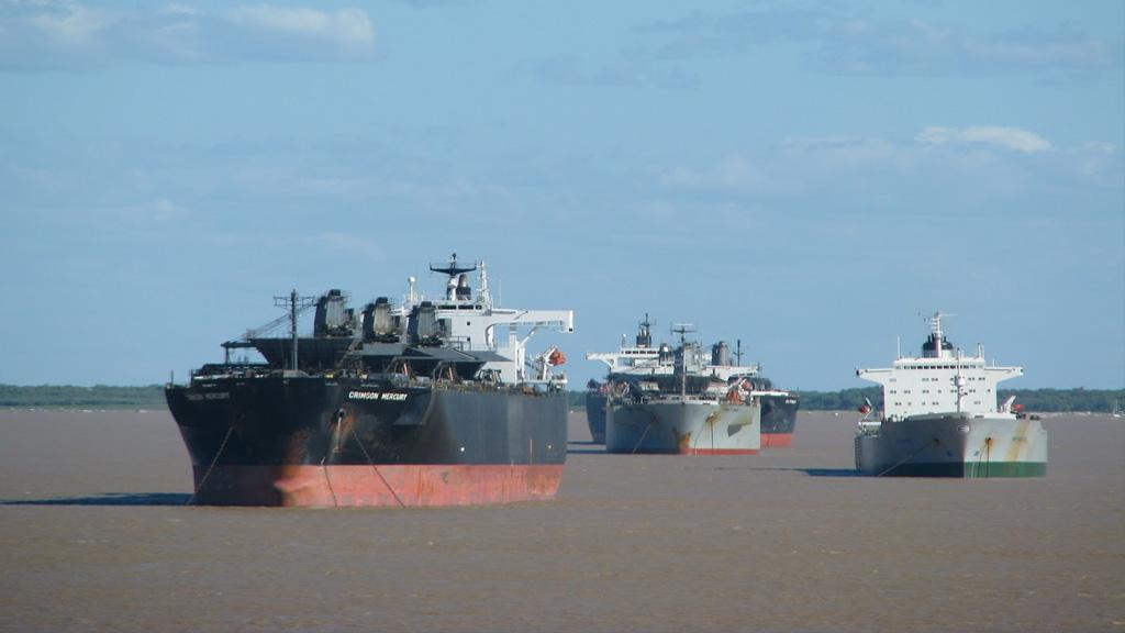 El paro en los puertos gana intensidad y se hace sentir en varios sectores de la economía