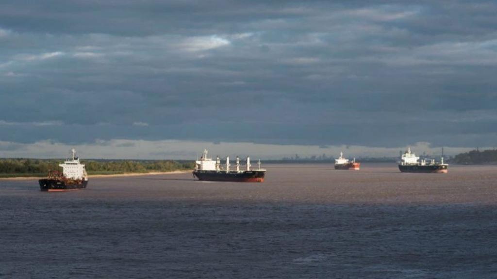 Son más de 100 los buques demorados por las medidas de fuerza en los puertos