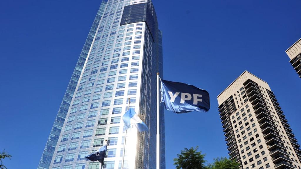 YPF hizo una nueva propuesta para la refinanciación de su deuda