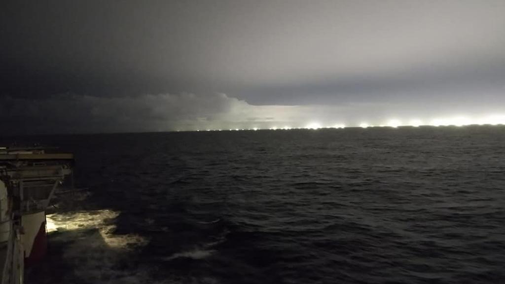 Un nuevo video muestra la depredación de pesqueros extranjeros en el Atlántico Sur