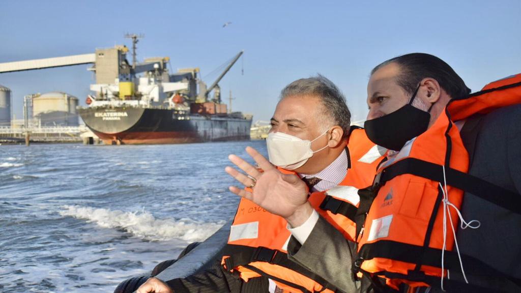 El embajador de Egipto visitó el puerto de Bahía Blanca