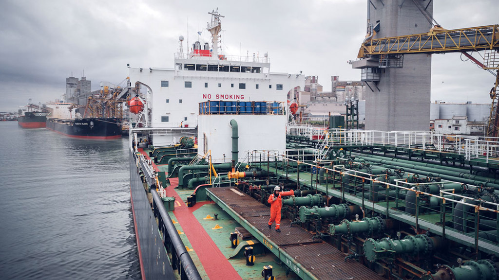 Doble récord operativo mensual para puerto Quequén: 935 mil toneladas en 41 buques